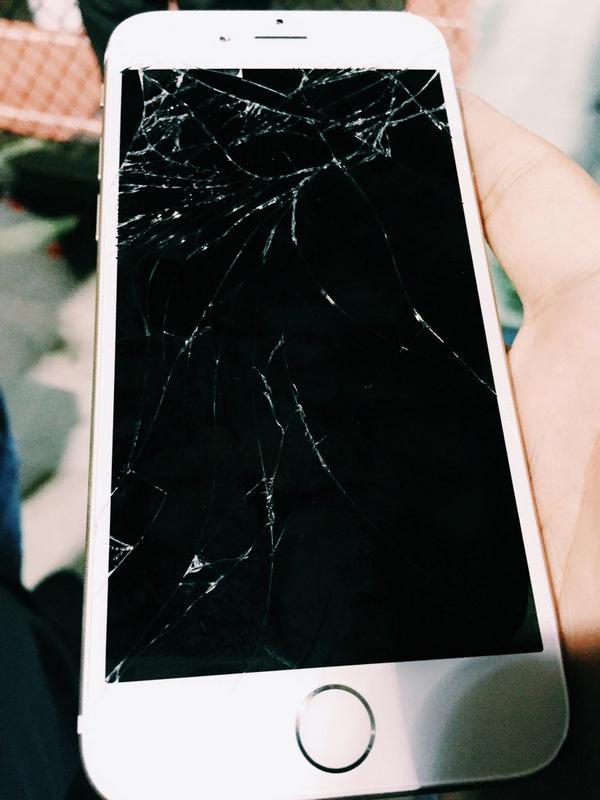 Mặt kính iPhone 6 bị nứt vỡ