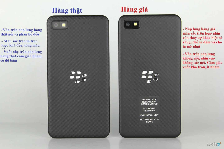 Phân biệt nắp lưng của Blackberry Q10